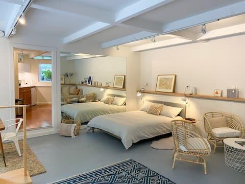 Spacious Designer Studio in Mill Valley