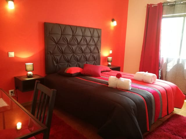 Sensations Guesthouse - 2 - Passion Flame Room