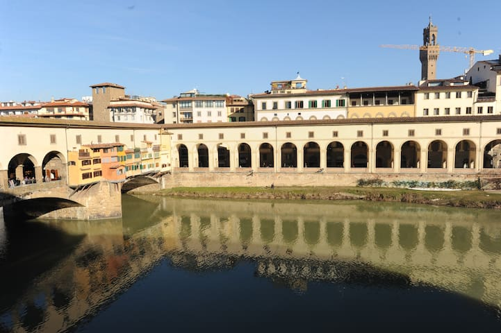 Ponte Vecchio View - Firenze - Apartment