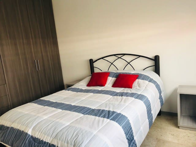 Habitación super bien ubicada para visitar Puebla