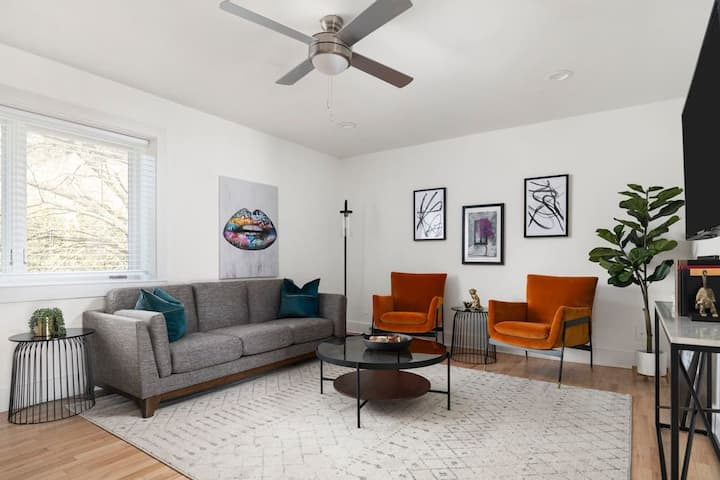 Social Distancing Depot, Private Midtown Apt #14