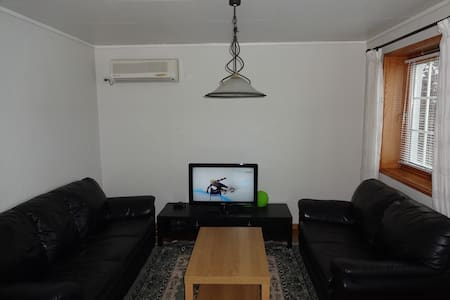 Furnished apartment close to bus and grocery shops