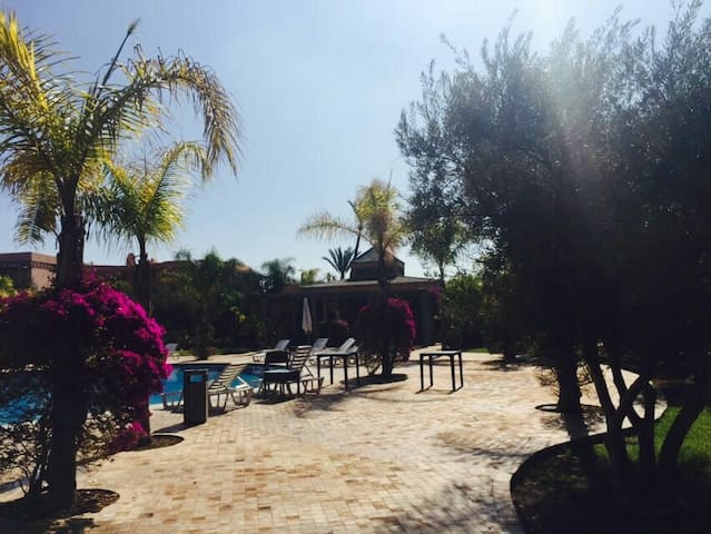Amazing 2BD condo in Palmeraie 3 !! - Marrakech - Leilighet