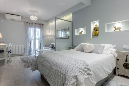 STUNNING Boutique Studio in CENTER LETRAS WIFI&AC