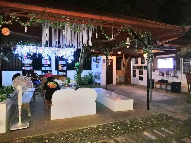 The cozy and comfortable BBB12 Sport Bar with a high quality Karaoke facility welcomes you with other guests