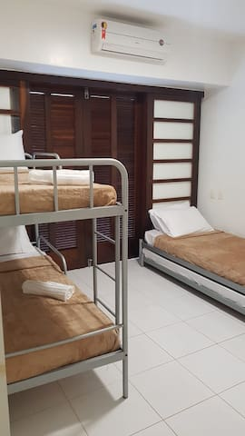 Suite com camas de solteiro