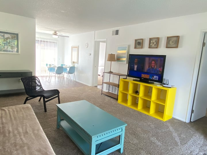Spacious king 2b& 2b 3 beds view POOL IN RH LA