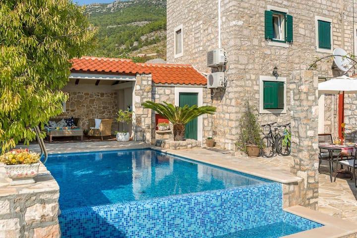 Villa Nadezda at Splitsko-dalmatinska županija