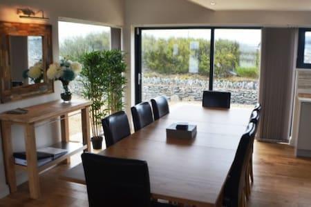Luxury 5-Star Accommodation seaside Trearddur Bay - Villa