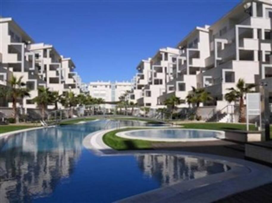 Apartamento urbanizaci n elegance denia condominiums for Gimnasio denia