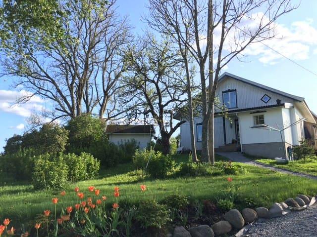 Hagehytte i idylliske omgivelser - Ski - Sommerhus/hytte