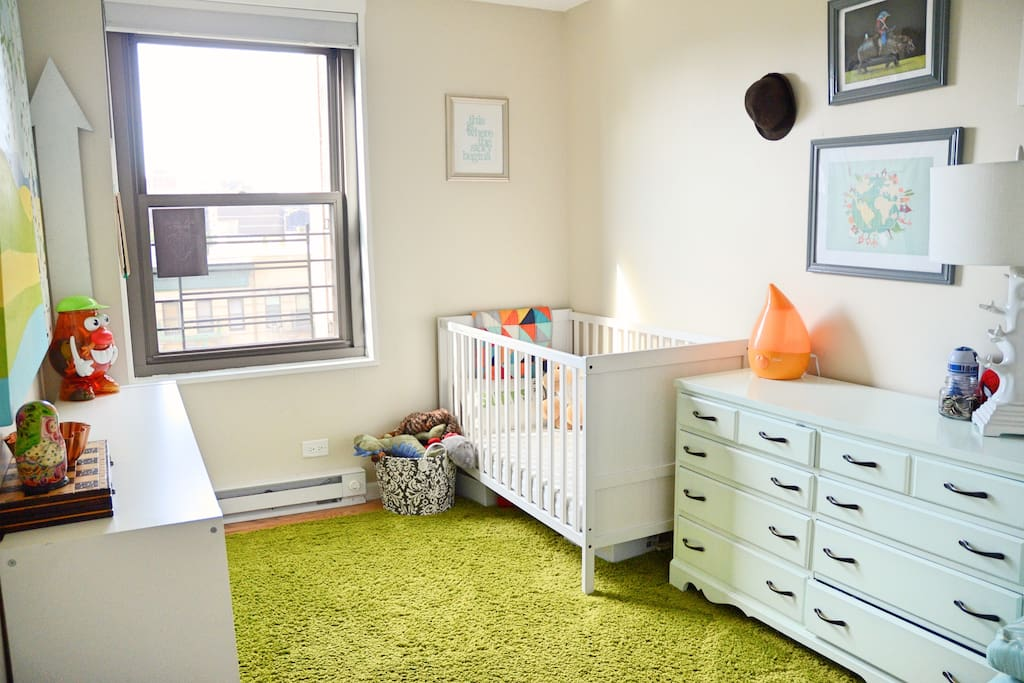 This room is your private room. It is our kids room but they will not be present. A high quality full double airbed will be put in here. Views southward towards downtown.
