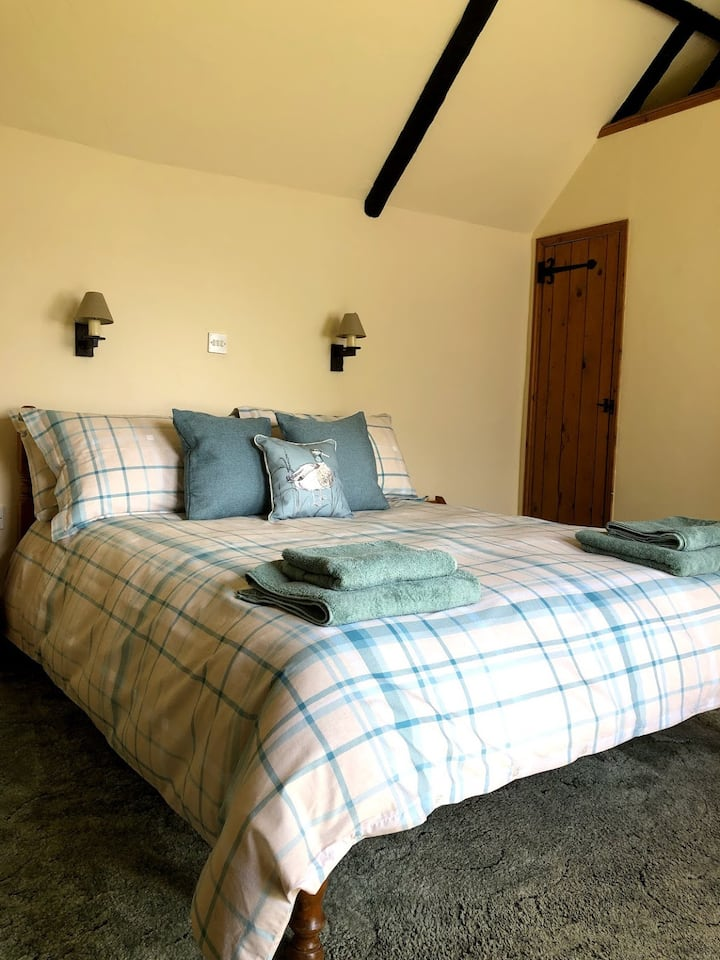Double Room in converted barn on Historic Country Estate