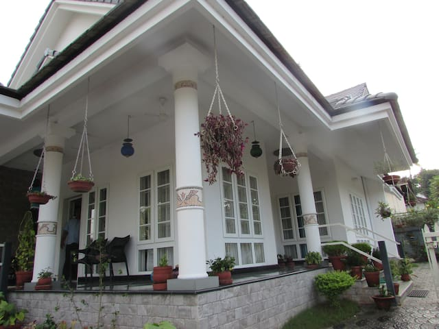 Friendly, Peaceful & Clean Home - Kottayam - Casa
