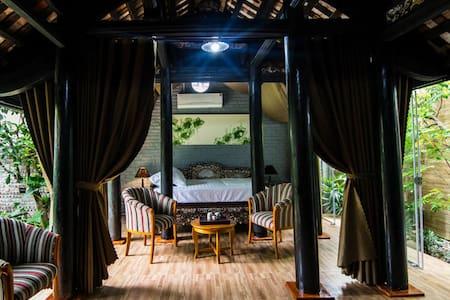 Vietnamese Ancient House - Hai Phong - Rumah