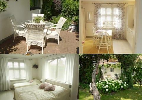 уютна къща за гости близо до летище Шьонефелд