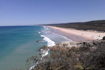 The door-step to North Stradbroke Island - Ormiston - Szeregowiec