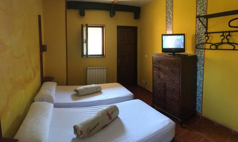Suite Camino Santiago Villahormes Wifi & Kitchen - Llanes - Bed & Breakfast