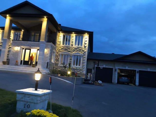 Estate guest home