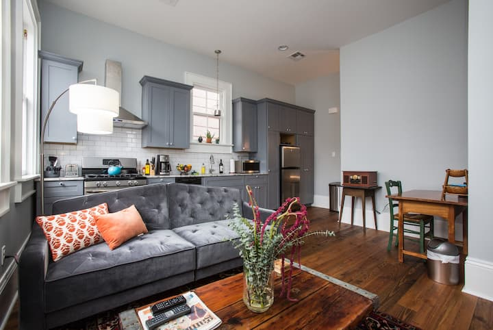 Boutique Apt in Lower Garden District-NEWLY BUILT!