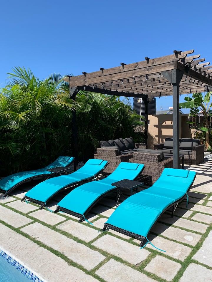 Palm BlossomJA (Private Pool, Private Beach, Cook)