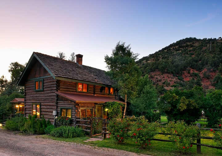 ❤️of the Roaring Fork River   Historic Log Home