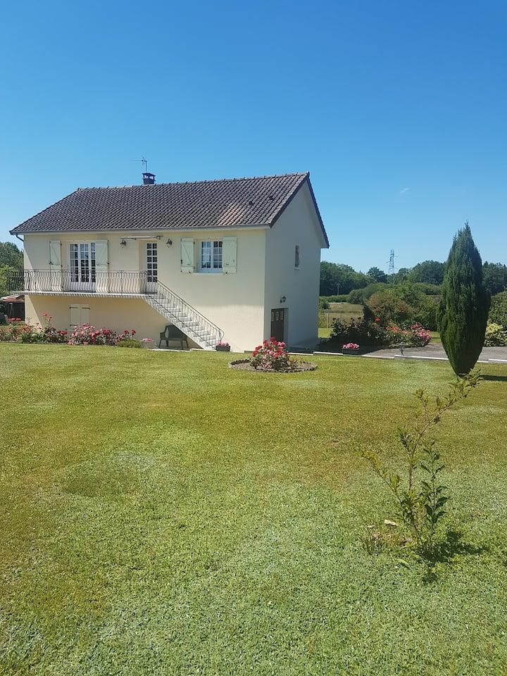Maison paisible à la campagne
