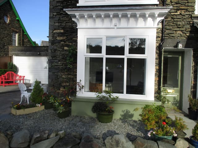 Woodlands Cottage Windermere: 1 Bedroom Sleeps 2.