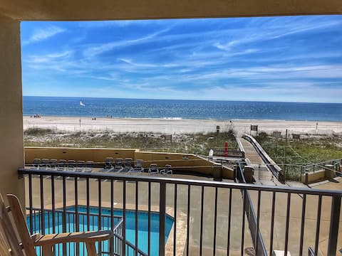 Easy Breezy Beachfront Condo, Bunks, No Elevator!