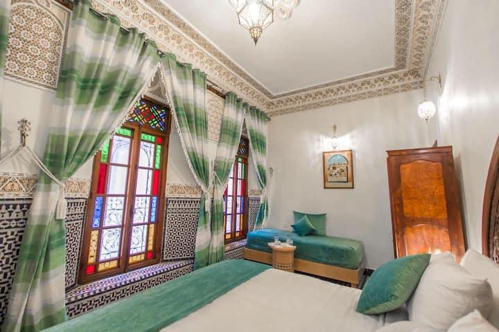 Wonderful luxury room in Medina +AC+WiFi+Breakfast