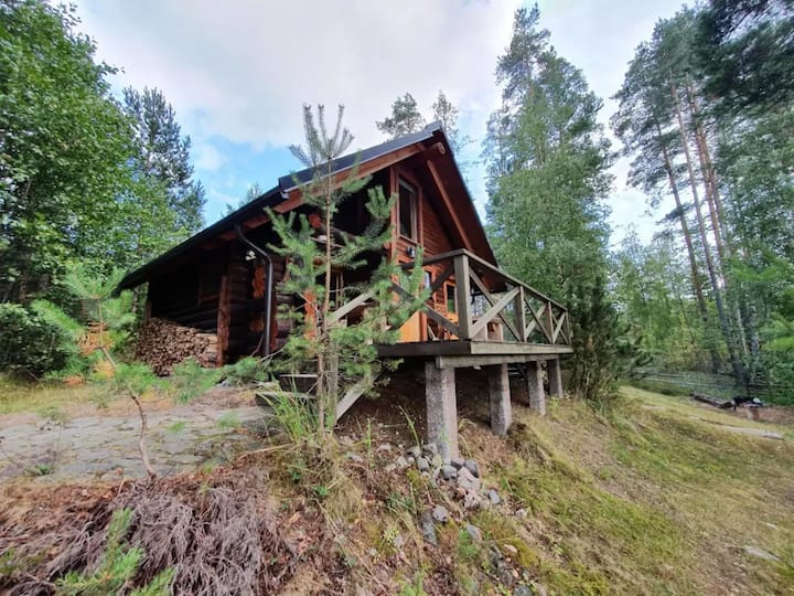 Lämmin Hirsimökki 4 henkilölle, Villa Lummelahti.