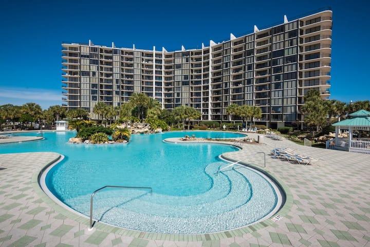 "Edgewater Resort Golf Villa ""Family Recess"""
