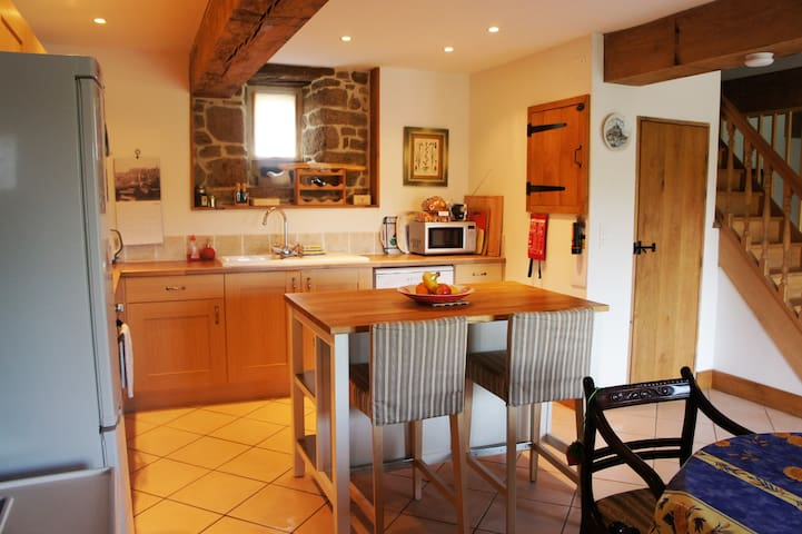Beautiful holiday cottage in Sourdeval