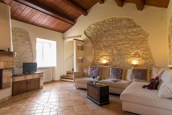 Lovely two-bedroom apartment with 100 sqm garden
