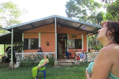Casa a 3 km de Playa Tivives. C.Ria - Esparza - Casa de campo