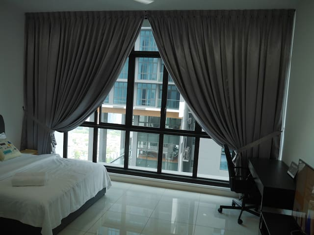 Luxurious JB Suite for Rent