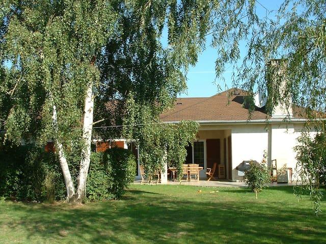 Maison spacieuse proche forêt,étang - Vieille-Église-en-Yvelines - Talo