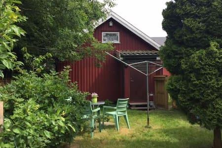 Koselig Bryggehus ved Foldvik i Stavern