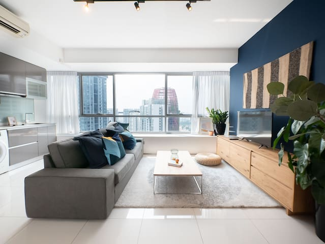 Modern 1 BR Service Apartment with Balcony in CBD