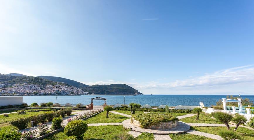 Del Sol Skopelos, Villa Apartments, seafront.