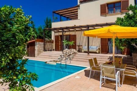 Villa Sandra, Rethymno, Crete - Asteri