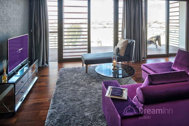 City Walk – Magnificent 4 Bedroom Apartment