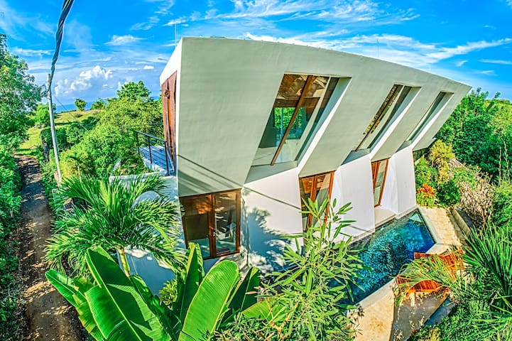 Modern Beach House at Pandawa Beach