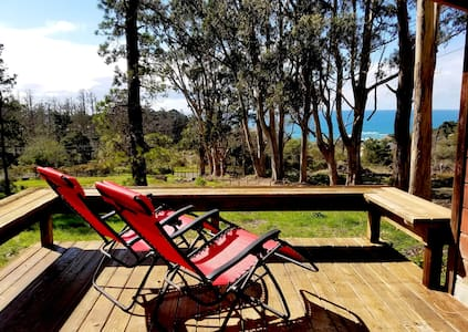 HIGH TOR Cottage with Ocean Views on one acre land - Gualala - Cabin