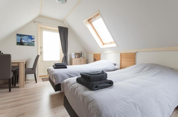 Zeer ruime kamer met dakterras, Oudeschild Texel