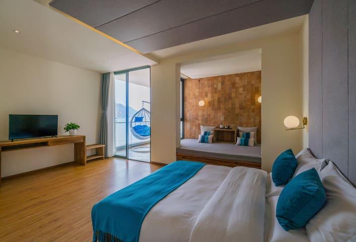 苍云90度观湖家庭房 Superhost's Cozy Seaview Room- 两晚免费接机高铁