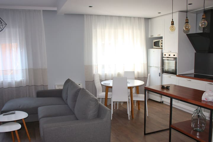 Apt 16-Tirana Very Central Apartment