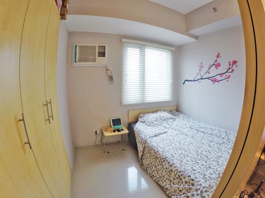 1 bedroom with double size bed