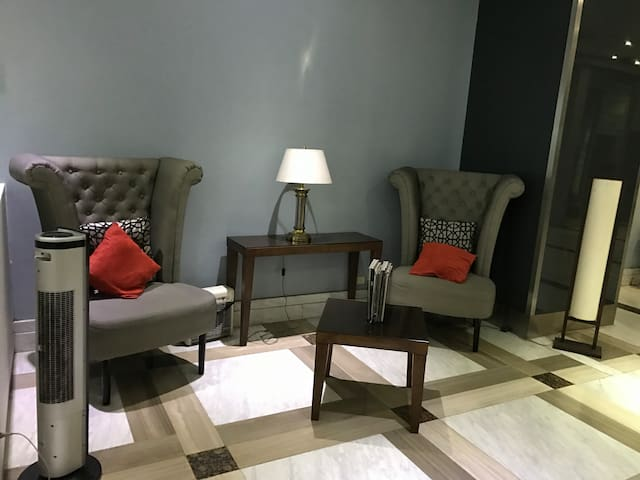 Ortigas Center(CBD), Furnished 2BR+ FREE parking! - Pasig - Apartemen
