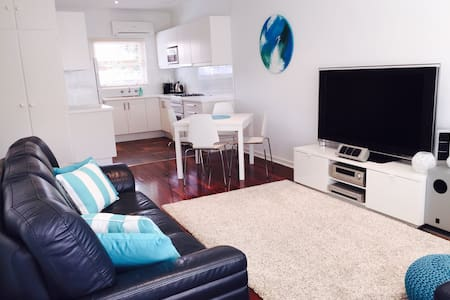 Beachside unit - Glenelg East